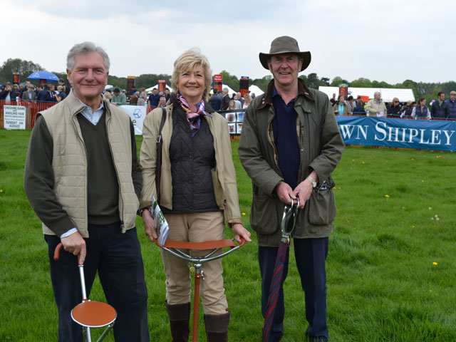 seat sticks shooting sticks at knutsford races